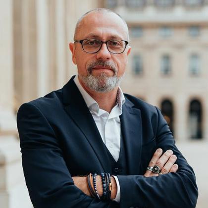 Emmanuel R Goffi